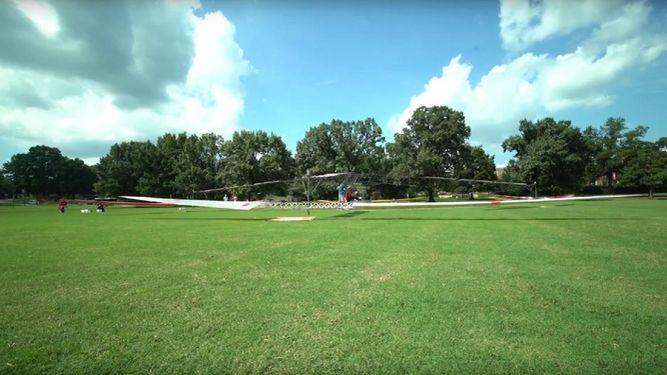 estudiantes-logran-volar-helicoptero-tripulado